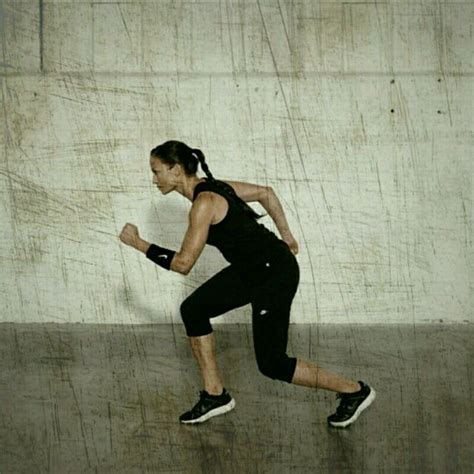 Back Pedal Runner - Exercise How-to - Workout Trainer by